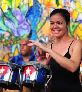 25-cuban-performer-6046