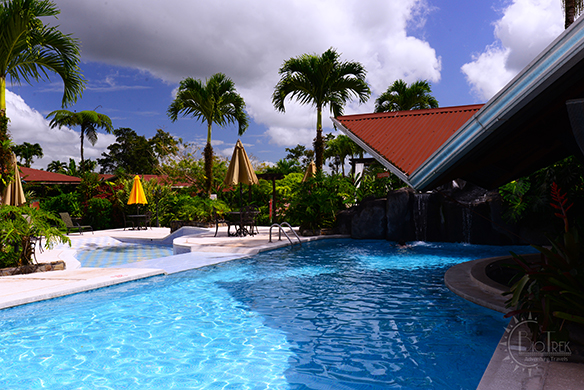 Swimming pool at Hotel Arenal Springs